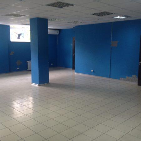 Сдается торговое помещение, 115 кв.м., проспект Чекистов   Фото 1