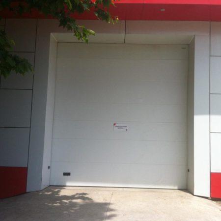 Продается торговое помещение, 1500 кв.м., Стасова   Фото 3