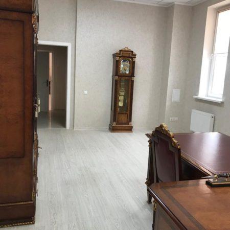 Продается торгово-офисное помещение, 136.9 кв.м., Коммунаров   Фото 3