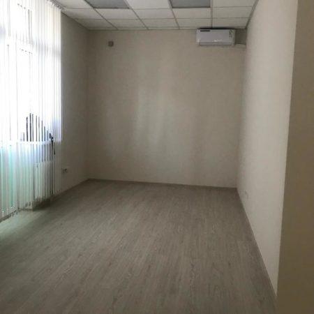 Продается торгово-офисное помещение, 335 кв.м., Коммунаров | Фото 3