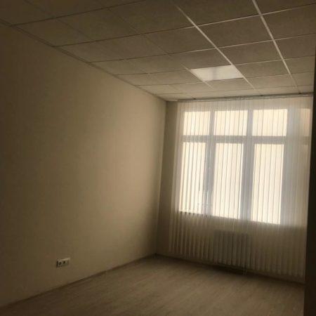 Продается торгово-офисное помещение, 335 кв.м., Коммунаров | Фото 2